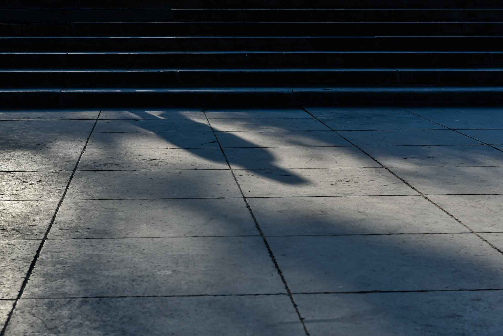 Urban – 6 – reflectie man en trap