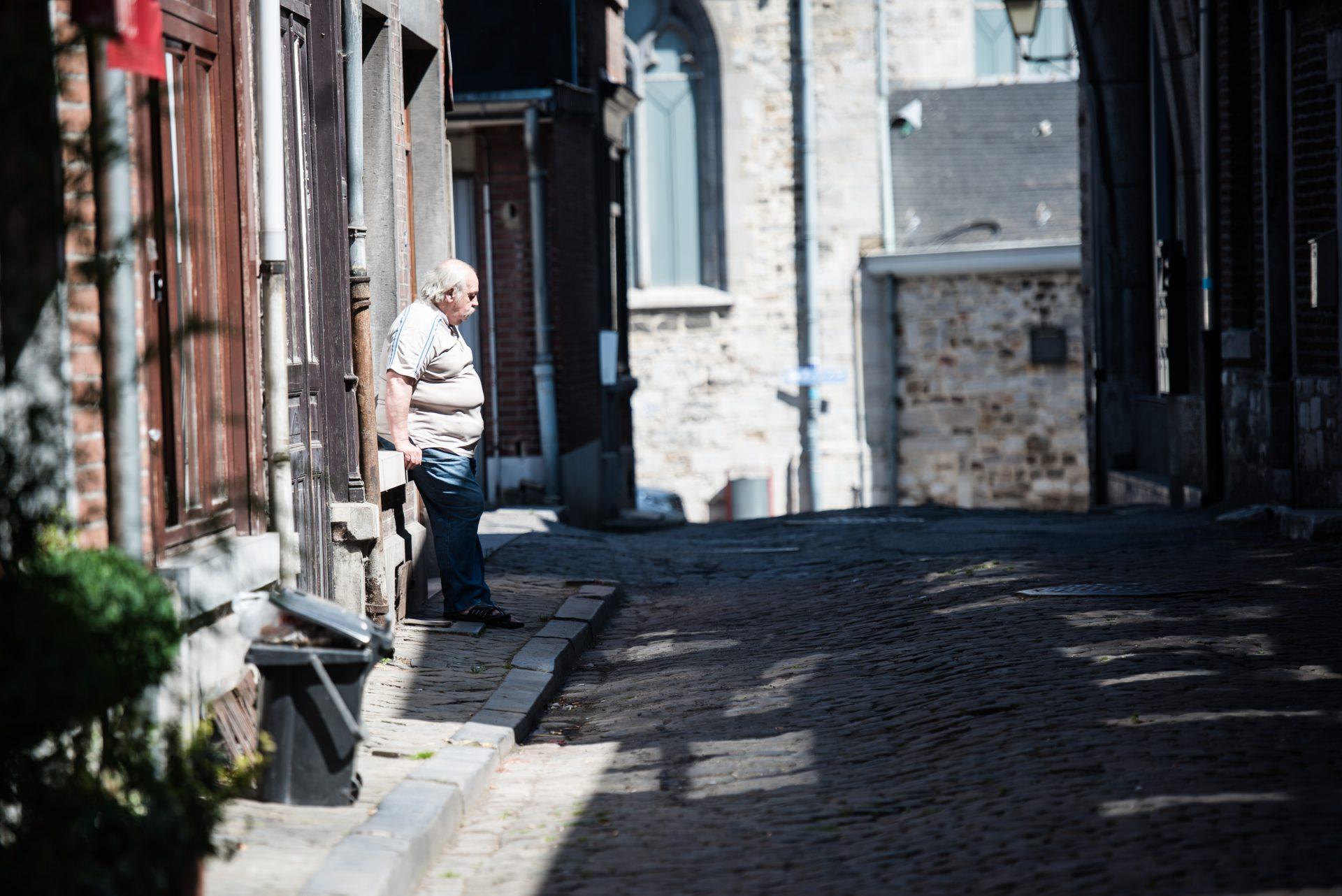 Street – 8 – man in straat